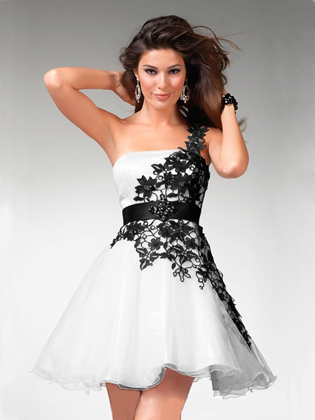 Purchase A Large Selection Of Prom Dresses OnlineSimply Complicated